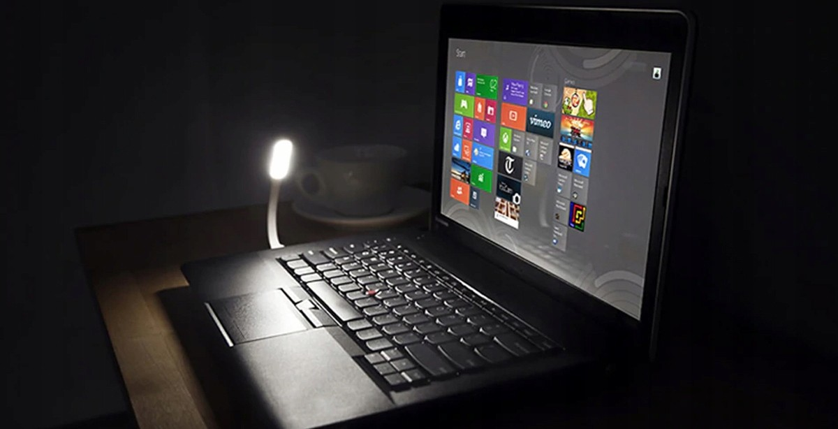 LAMPKA SILIKONOWA USB DO LAPTOPA LED MOCNA ŻÓŁTA