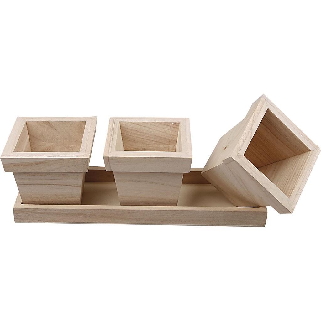 Trzy Doniczki Na Podstawce Z Drewna